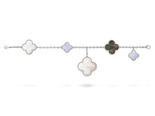 Браслет Van Cleef Arpels  Magic Alhambra, 5 мотивов серебряного цвета с белым перламутром, арт. VC-35429